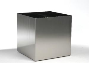 Fyrkantig stålkruka