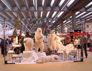 Naturtrogna rörliga isbjörnar som kan kombineras med vår snömaskin