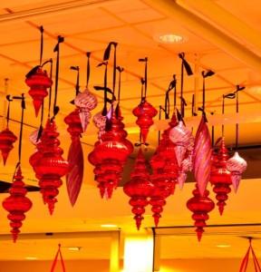 Stora juldekorationer som kan fås i många modeller och färger