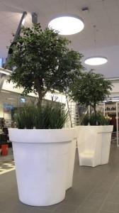 Konstgjorda växter i specialkrukor