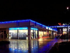 Ljusdraperier med blåa leds på köpcentrum, Bilbao