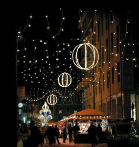 Julbelysningar som kan vikas ihop under transport och förvaring