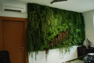 Kundanpassad växtvägg